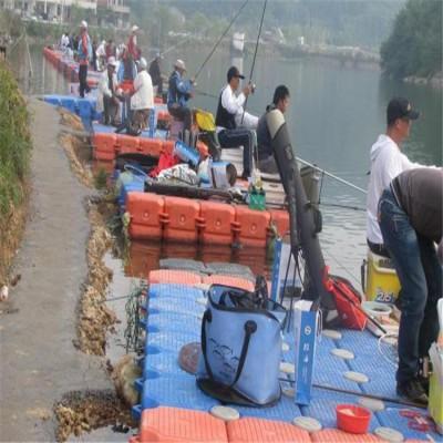 游泳涉水运动水上浮台 聚乙烯水上平台浮筒 游艇码头停靠浮桥